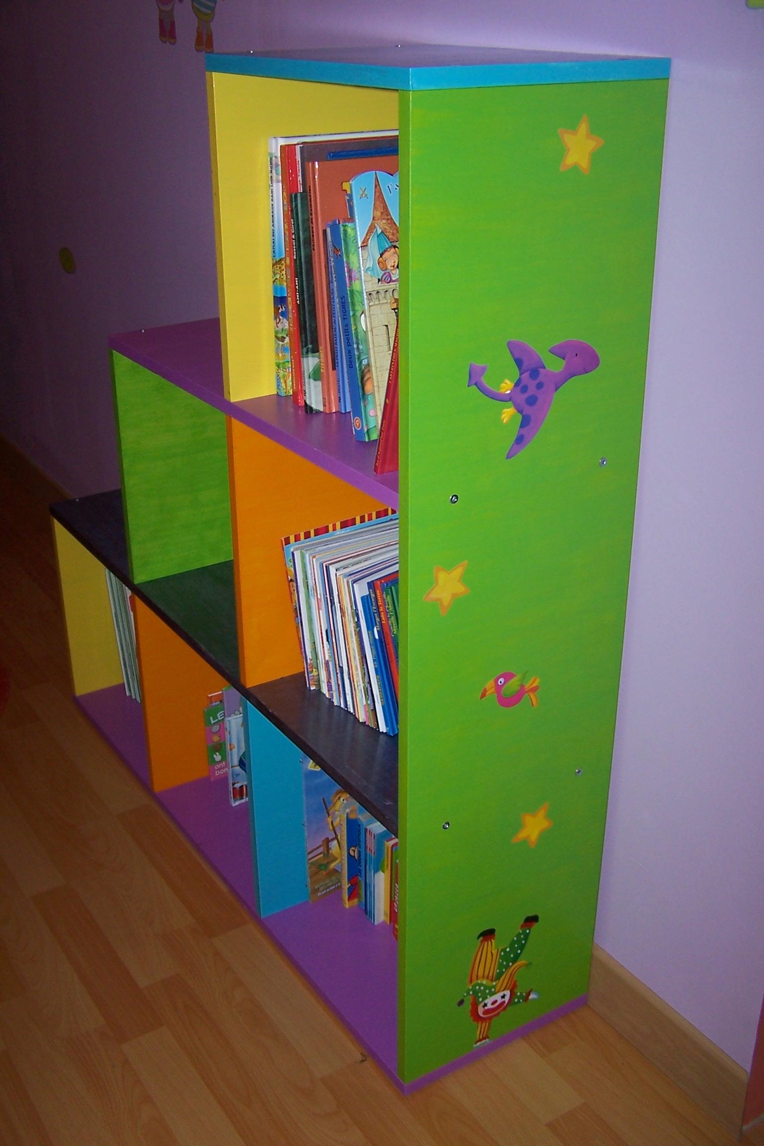 biblioth que color e. Black Bedroom Furniture Sets. Home Design Ideas